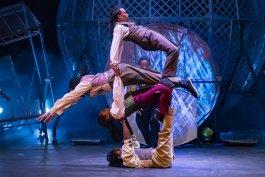 CIRQUE BERSERK - Timbuktu Tumblers 02 -Photographer Piet-Hein Out- wwwcircusphotographercom